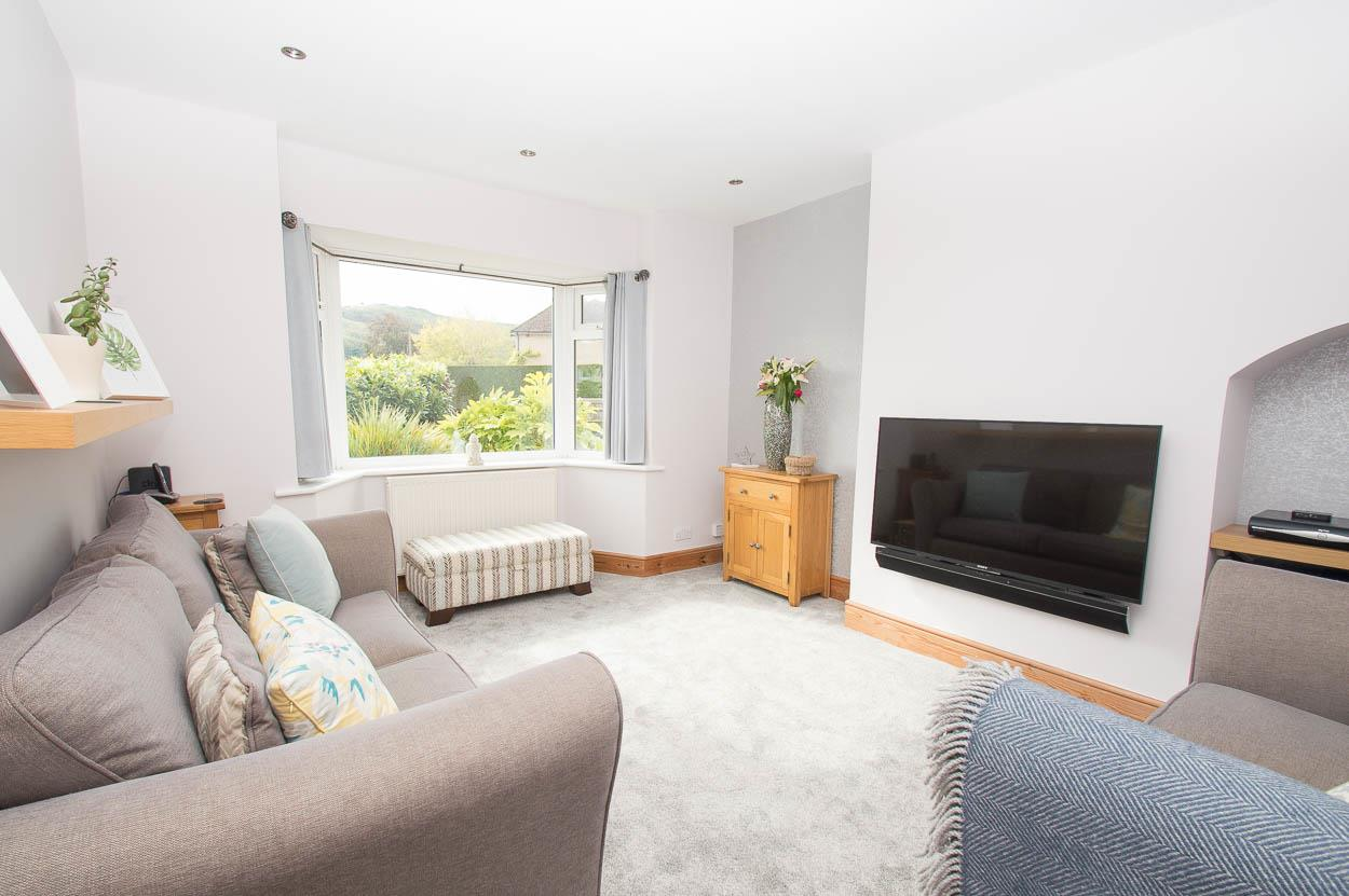 2 Bedrooms Semi Detached Bungalow for sale in Downsview Road, Eastbourne